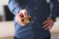 Limit kredytowy w rachunku czy karta kredytowa?