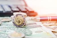 Firmy wycofują pieniądze z banków