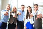 Praca zawodowa kluczem do... Co mówi młode pokolenie?