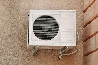 Montaż klimatyzacji w bloku. Jakie warunki trzeba spełnić?