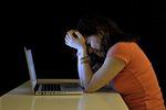 Cyberprzemoc: 20% nastolatków ofiarami internetowego nękania