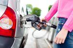 Na wakacje paliwo do samochodu osobowego tańsze o podatek VAT?