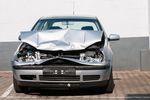 Wypadek samochodowy: konieczne ubezpieczenie AC dla kosztów firmy