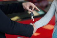 Wycofanie z firmy i sprzedaż samochodu kupionego bez VAT