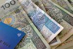Konto bankowe tanieje, a banki zarabiają dalej
