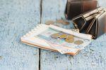Konto bankowe, kredyt, OC. Ile pieniędzy wydajesz bez sensu?