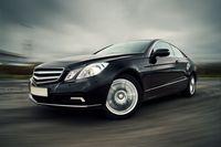 Samochód osobowy: pełne odliczenie VAT gdy faktyczny handel