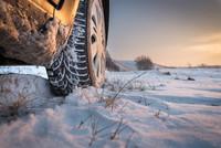 Zmieniać opony na zimę – czy nie zmieniać?