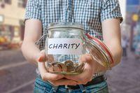 Kiedy zbiórka pieniędzy dla chorego dziecka zwolniona od podatku?