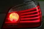 Czy samodzielna wymiana żarówki w samochodzie to dobry pomysł?