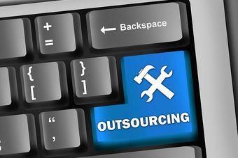 Outsorsing pozwala ograniczyć koszty