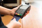 Płatność kartą pomoże uniknąć oszustwa