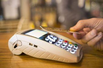 7 powodów, dla których warto wybrać płatności zbliżeniowe [© ldprod - Fotolia.com]