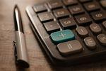 Cesja wierzytelności na rzecz banku to ściąganie długów opodatkowane VAT