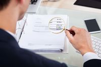 Jak przeliczyć fakturę dokumentująca import usług?