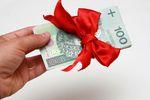 Darowizna od matki na konto bankowe żony bez podatku