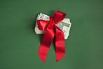 Darowizna pieniędzy na cudze konto bankowe zwolniona z podatku