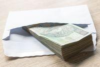 Jak uniknąć podatku od darowizn w dalszej rodzinie?