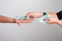 Małżeństwo nie wyklucza darowizny pieniędzy bez podatku