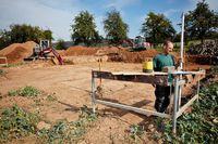 Jak sprzedać wydzielone działki z warunkami zabudowy bez VAT?