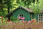 Sprzedaż domku w ogródku działkowym zawsze z podatkiem dochodowym?