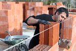 Zwolnienie z VAT a usługi budowlane za granicą