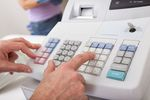 Kasa fiskalna gdy podatnik czynny lub zwolniony z VAT