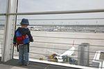 Lot samolotem z dzieckiem nie musi być koszmarem