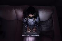 Internauci wyczuleni na seksualne wykorzystywanie dzieci