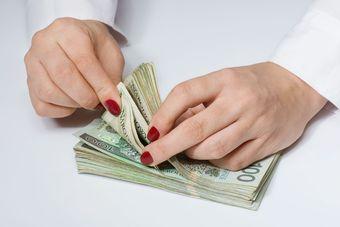 Pożyczki: 10 przykazań odpowiedzialnego pożyczkobiorcy [© marpan - Fotolia.com]