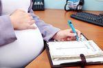 Zasiłek chorobowy i macierzyński a praca na zastępstwo