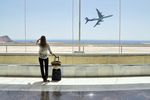 Wakacyjne podróże samolotem - poradnik