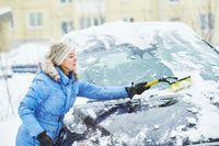 Odśnieżanie auta