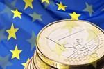 Euro w Polsce: czy warto się spieszyć?