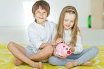 Polacy, czyli rodzice, którzy nie dbają przyszłość dzieci?