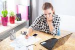 Rachunki domowe: kto jeszcze płaci za prąd na poczcie?