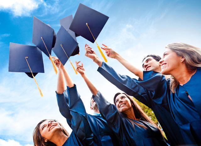 Выпуск из университета поздравления