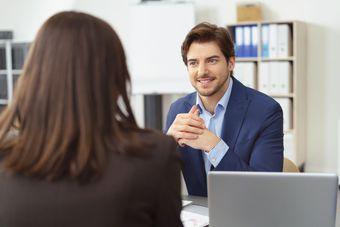 Rekrutacja. Jak znaleźć pracownika do kontaktu z klientem?