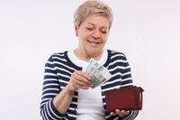 Waloryzacja emerytur od 1 marca. Jakie podwyżki?