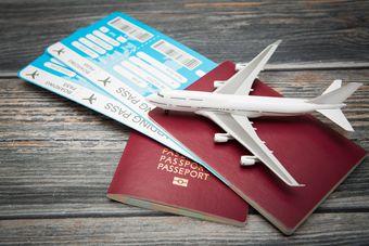 Zakup zagranicznych biletów lotniczych w podatku VAT i dochodowym [© REDPIXEL - Fotolia.com]
