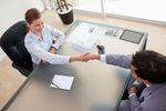10 popularnych pytań na rozmowie kwalifikacyjnej. Co odpowiedzieć?