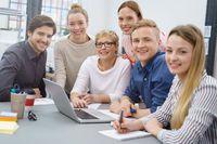 Motywacja do pracy? Etat i stabilność zatrudnienia