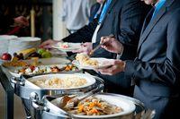 Impreza okolicznościowa: gastronomia decyduje o stawce ryczałtu?