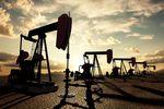 Rosną zapasy gazu i ropy