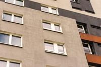 Rynek mieszkaniowy: politycy dbają o bogatych, mieszkań socjalnych nie ma