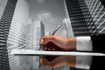 Nieruchomości komercyjne: inwestorzy ostrożni, ale nie bierni