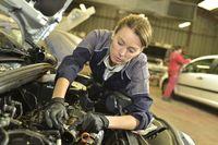 Branża motoryzacyjna: jest praca, nie ma specjalistów