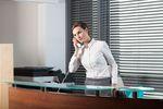 Czego szef wymaga od asystentki?