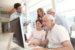 Pora zmienić nastawienie do starszych pracowników