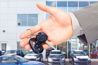 Odliczenie VAT od leasingu samochodu: wydanie przed zmianą ustawy